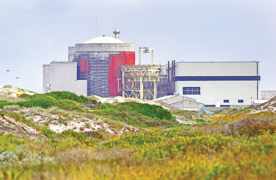 epa04625158 A general view of the Koeberg nuclear power station on the West Coast outside Cape Town, South Africa, 18 February 2015. Koeberg is run by South Africa's beleaguered state run power utility Eskom and is the only nuclear power station in Africa with a capacity of 1800 Megawatts. Large scale industries as well as small businesses are feeling the pinch of South Africa's beleaguered state run power utility, Eskom. Eskoms inability to meet electricity demand has resulted in a tortuous schedule of rolling blackouts known as Load Shedding which is having a negative effect on the economy. Load Shedding is expected to last several years until the poorly maintained power plants can return to full capacity and the new power plants are completed before proper service can resume to the country.  EPA/NIC BOTHMA
